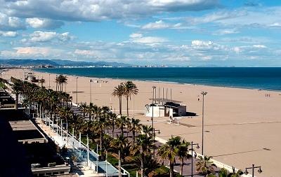 Las-playas-de-Valencia-playa-Malvarossa